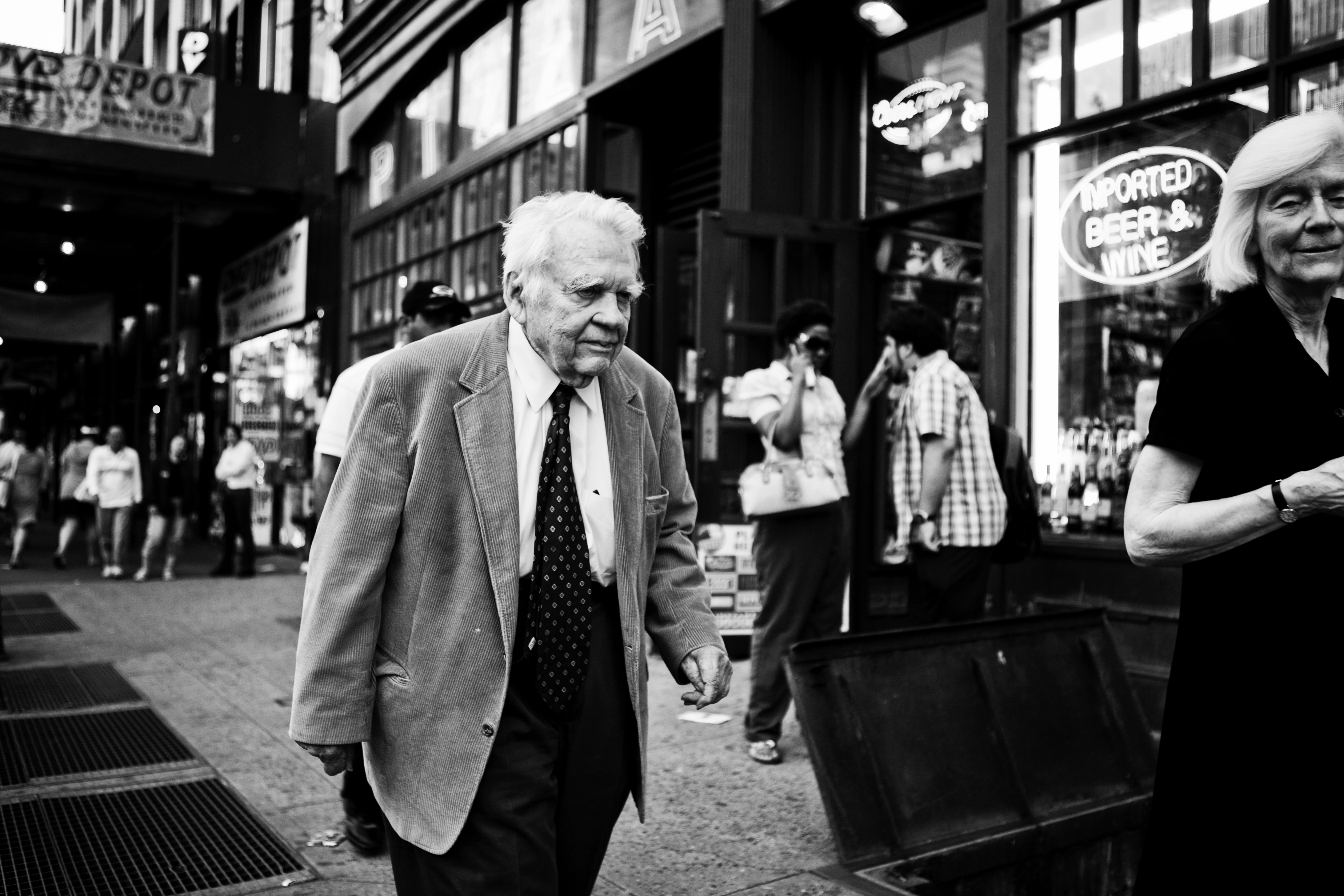 an essay on war andy rooney text