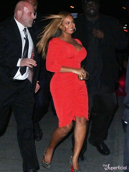 La times reports beyonce is back in her high heels and back in